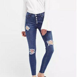 FREE PEOPLE  Reagan Destroyed Button Jeans 29 NWT